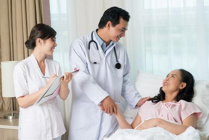 Tiết kiệm bằng cách nào khi đi khám chữa bệnh?